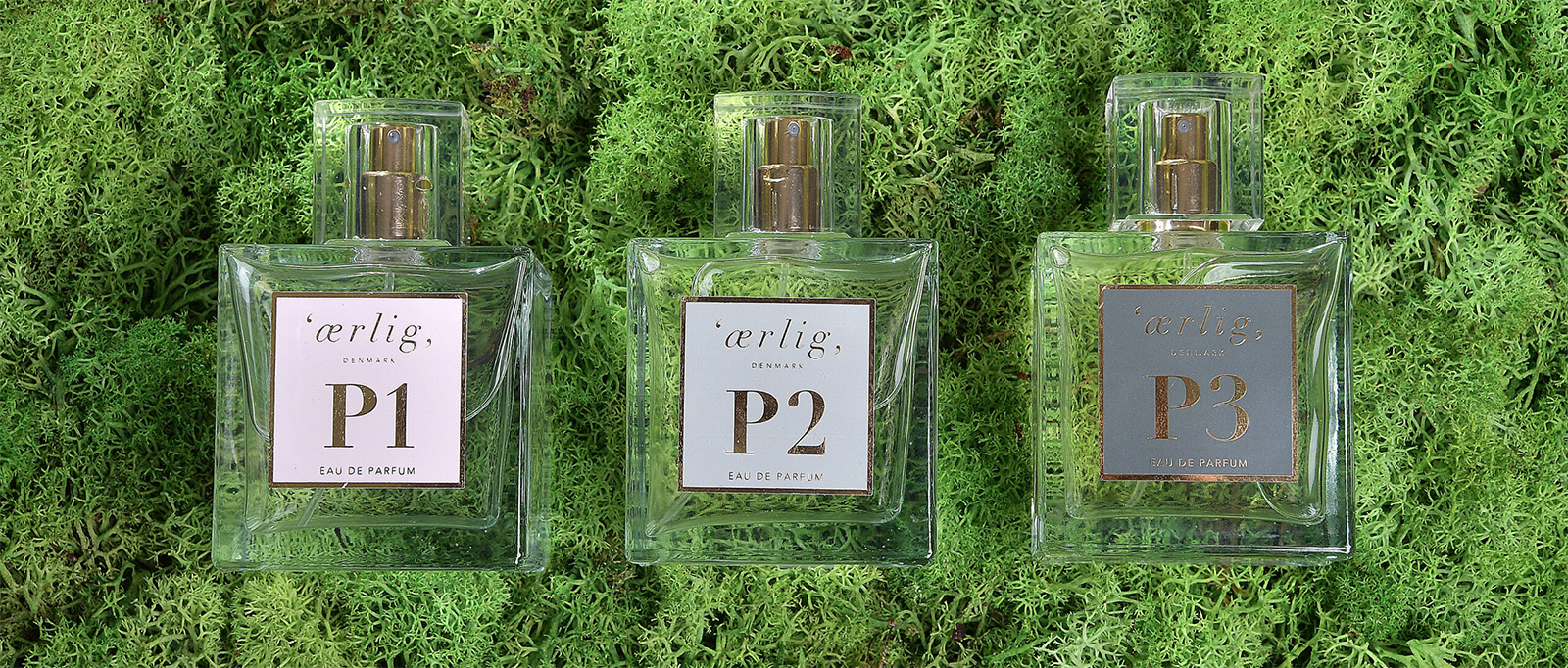 Parfumer på mosbaggrund